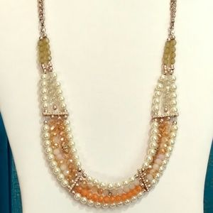 Jewelry - Faux pearl and crystal necklace